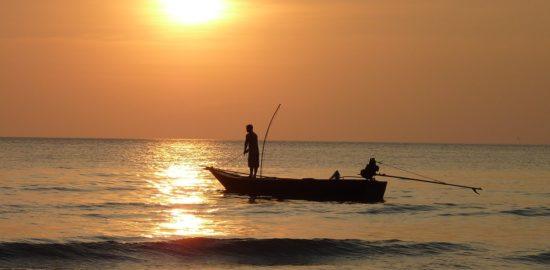 fishing-at-sunset-209112_960_720